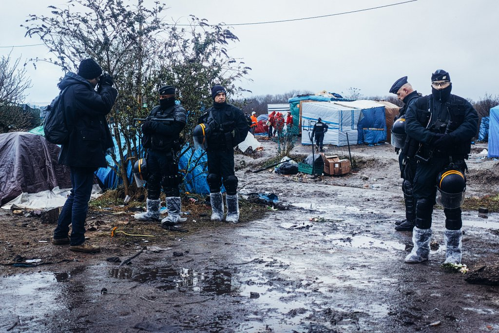 Jungle-Calais-DP2Q-12-1.jpg